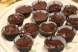 PEANUT BUTTER CUPS (CANDY)
